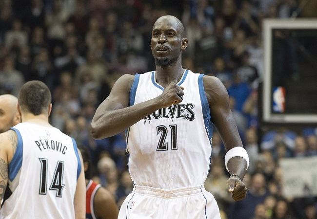 Feb 25, 2015; Minneapolis, MN, USA; Minnesota Timberwolves forward Kevin Garnett (21) pounds his chest before a game against the Washington Wizards at Target Center. Mandatory Credit: Jesse Johnson-USA TODAY Sports