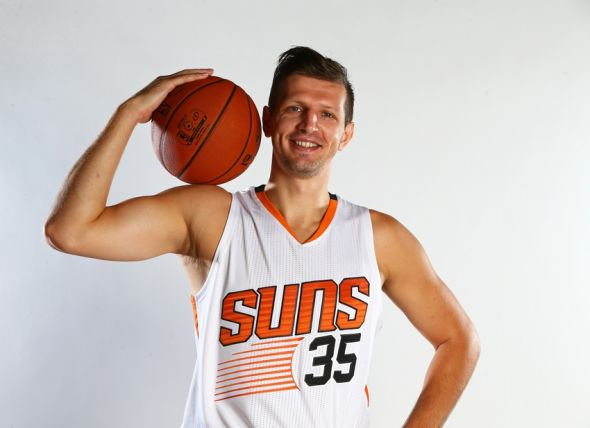mirza-teletovic-nba-phoenix-suns-media-day-590x900