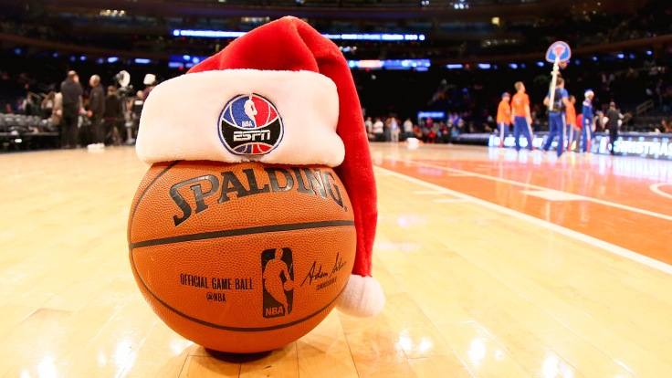 NEW YORK, NY - DECEMBER 25: The game ball on the court with a Santa hat before a game between the New York Knicks and the Washington Wizards at Madison Square Garden on December 25, 2014 in New York, New York. NOTE TO USER: User expressly acknowledges and agrees that, by downloading and/or using this Photograph, user is consenting to the terms and conditions of the Getty Images License Agreement. Mandatory Copyright Notice: Copyright 2014 NBAE (Photo by Nathaniel S. Butler/NBAE via Getty Images)
